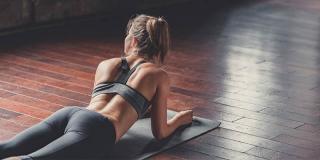 4 exerciții pentru atenuarea durerilor de spate