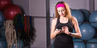 6 aplicații de telefon care te vor ajuta să fii mai activ