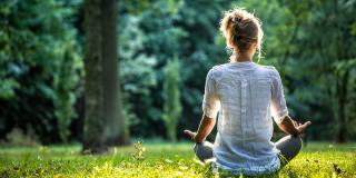 4 beneficii ale meditației care te ajută să-ți îmbunătățești antrenamentele
