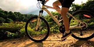 Playlist pentru mountain bike, perfect pentru cei care iubesc senzațiile extreme