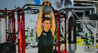Kettlebell training: Protiashka