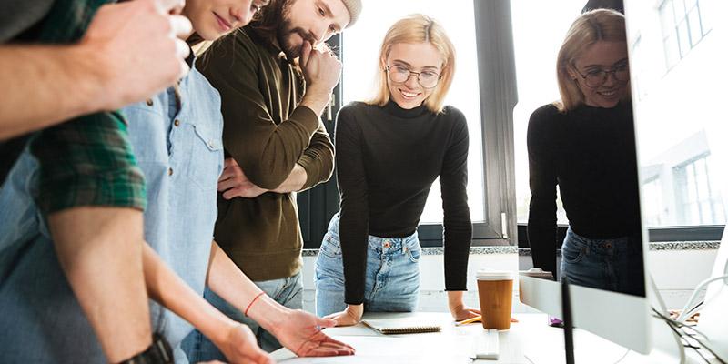 Ești cel mai enervant angajat? 10 lucruri pe care să nu le faci la birou