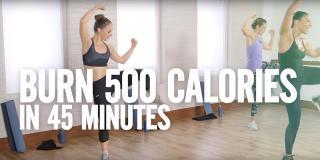 500 de calorii în doar 45 de minute! Setul de exerciții pentru acasă pe care trebuie să-l încerci și tu