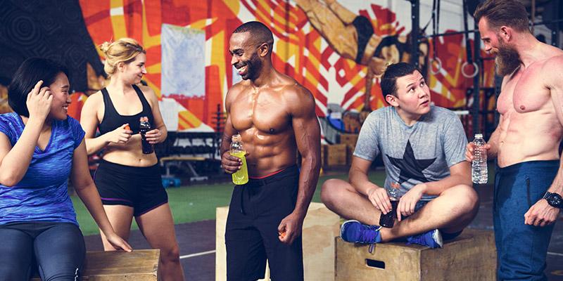 Beneficii și dezavantaje: tot ce trebuie să știi despre mersul la sala de fitness cu prietenii