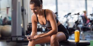 Beneficii și dezavantaje: tot ce trebuie să știi despre antrenamentele cu aplicații fitness pe mobil