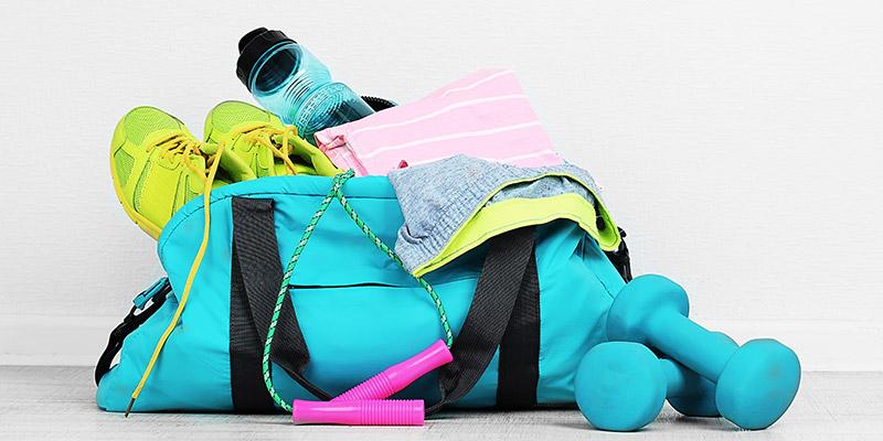 Ce nu trebuie să lipsească din geanta ta pentru sala de fitness