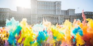 The Color Run București DAY 2018: leagă-ți șireturile!