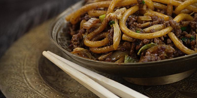 Rețeta FIT: tăieței de orez cu legume, o masă vegetariană excelentă