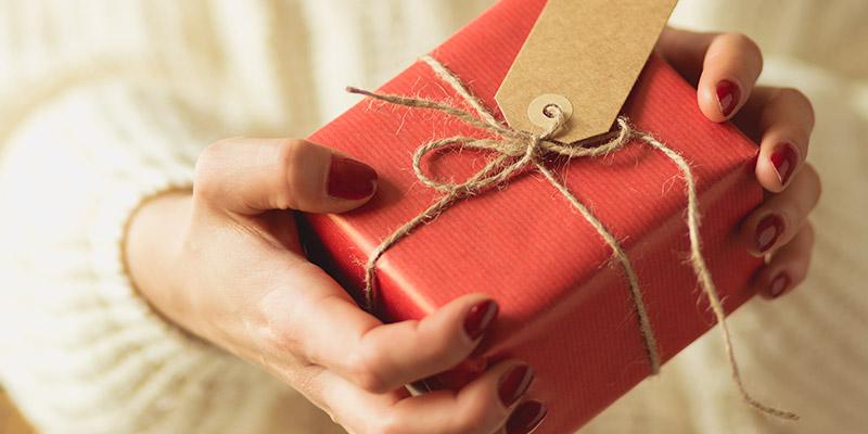 Cele mai simpatice cadouri de 8 Martie pentru cele mai cool femei din viața ta