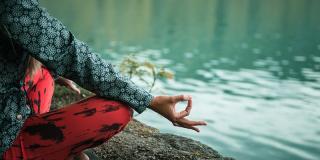 Ce este meditația și de ce trebuie să facă parte din rutina ta zilnică