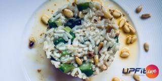Rețeta FIT: orez cu sparanghel și mix de semințe crude