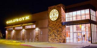 Gold's Gym, una dintre cele mai mari francize de cluburi de fitness din lume, de vânzare