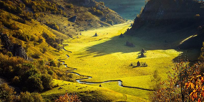 Cele mai frumoase locuri din România în care să admiri culorile toamnei